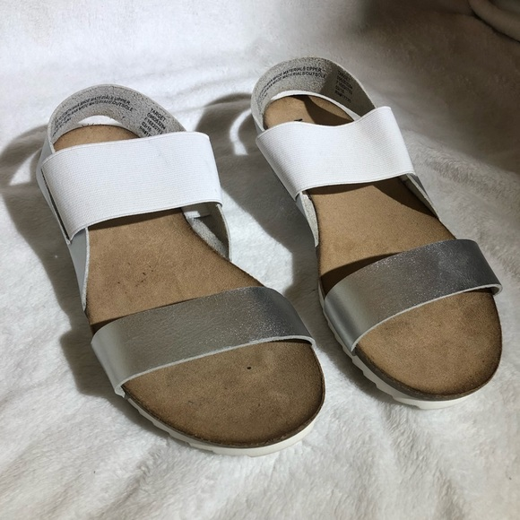 2ee74c21b81d Mossimo Supply Co. Shoes - Silver and White Mossimo Footbed Sandals - Size 9